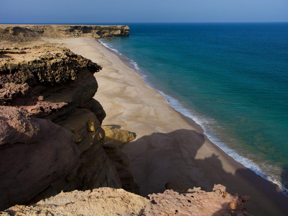 شاطئ رأس الجنز الشرقية عُمان