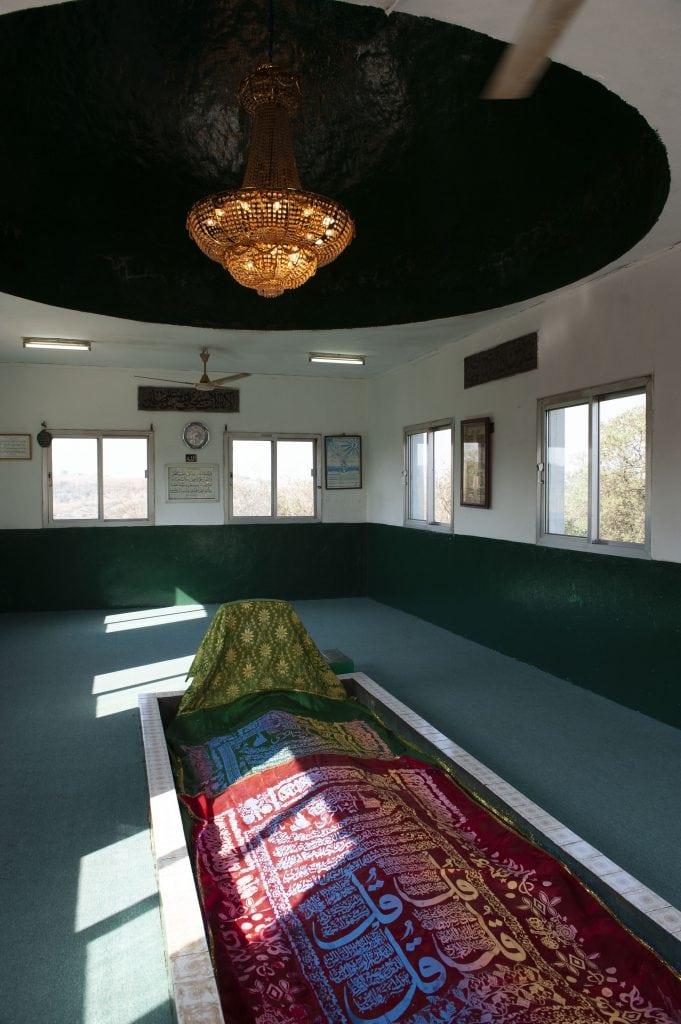 prophet grave in salalah